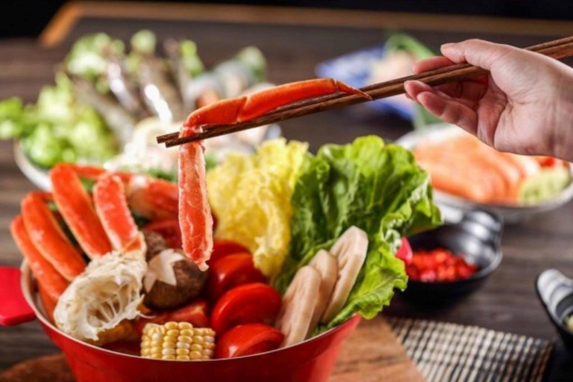 晚市涮涮鍋放題188元起一位,有美國牛肩肉、牛小排、澳洲和牛等選擇。(牛気FB圖片)
